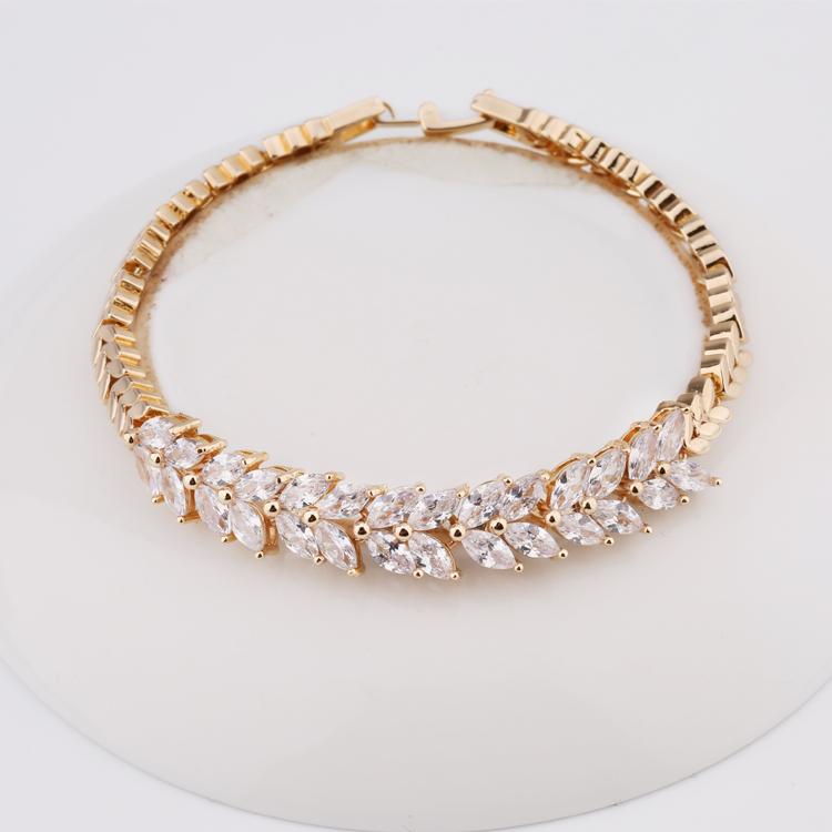 New Models Petals Shape Zircon Women Yellow Gold Hand Chain Bracelet