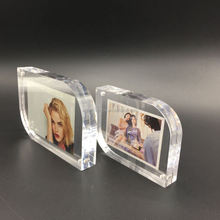 Resin Photo Frame Table Top Signs Curved Acrylic Photo Frames