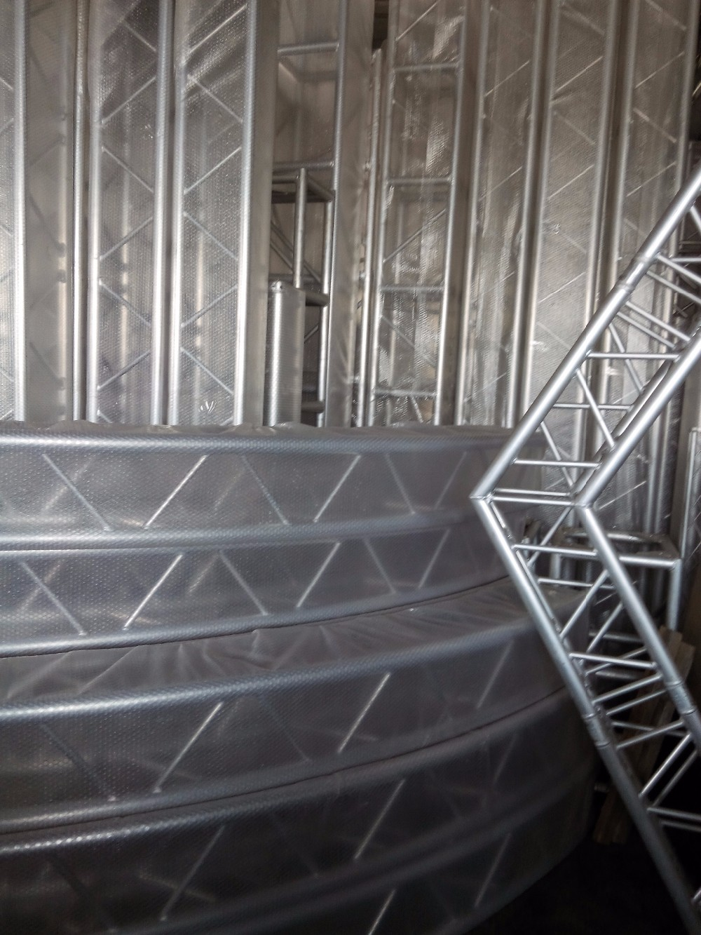 Design aluminum stage frame truss structure for catwalk for Buy trusses
