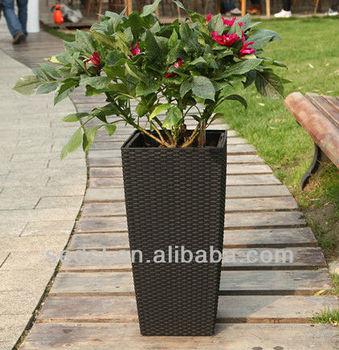Leizisure Tb04 Self Watering Modena Rattan Planter 22 Inch Mocha