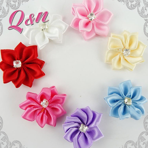 Wholesale decorative handmade small Satin ribbon flowers making For dress