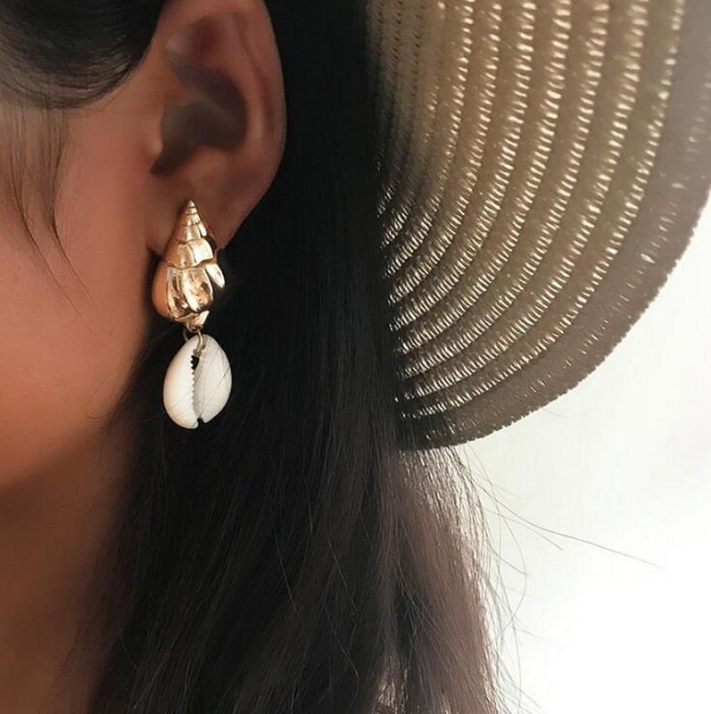 Gold Seashell gift Earrings, Gold Conch Shell Dangle Earrings фото