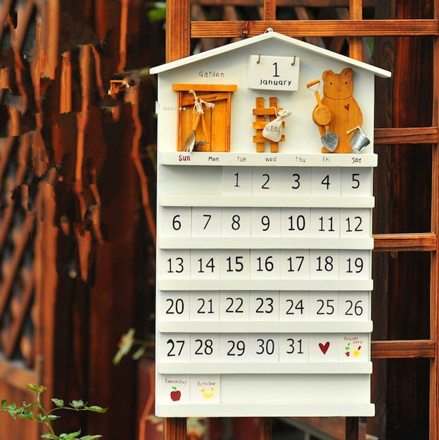 Fashion hot sales hand craft kids gifts wholesale wall hanging <strong>wooden</strong> decorative beer house <strong>wooden</strong> calendar