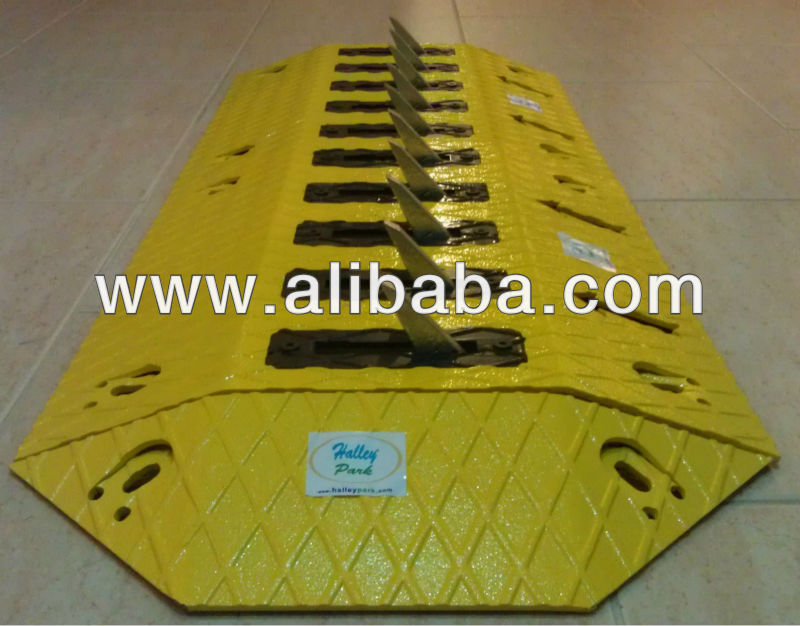 Steel Traffic Barriers Tire Tyre Killer Deflator Traffic ...