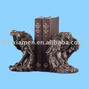 Decorative resin animal eagle bookends