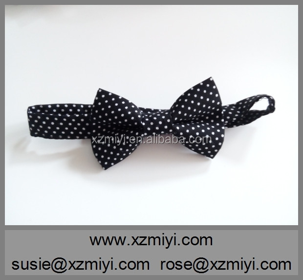 Fashionable Black and White Polka Dot Bowtie Boys Bow Tie