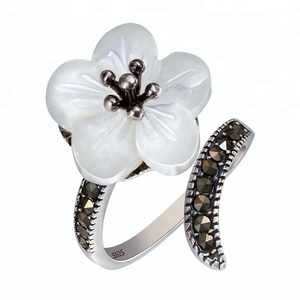 Female Vintage 925 Silver Exclusive Flower CZ Ring