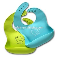 Hot Sales High Quality Triangle Style Cute 100% Silicone Bib Baby