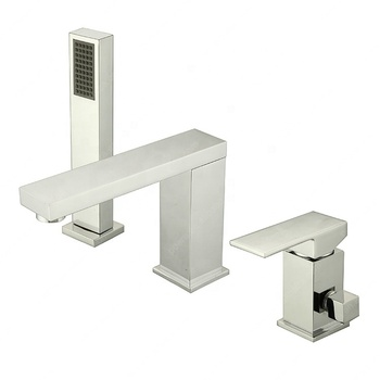 Chrome pull out shower head single handle bathtub faucet with valve