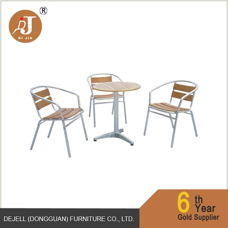 Economical Furniture Wood Top Aluminium Bistro Garden Table and Chairs