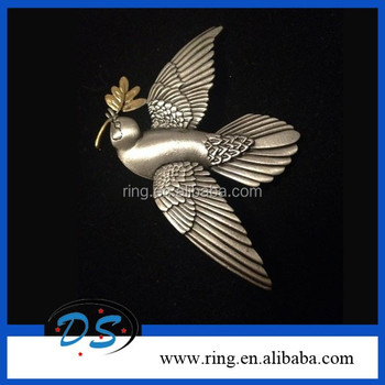 3950e907496 Vintage Dove With An Olive Branch In Flight Pewter Brooch Pin Birds  Breastpin
