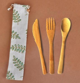 Portable 4pcs bamboo travel cutlery set/flatware set bamboo reusable knife fork spoon set with carrying pouch