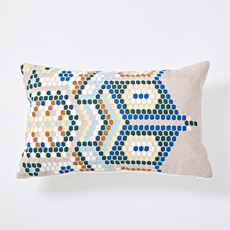 Modern 100% cotton embroidery cushion cover for home decoration