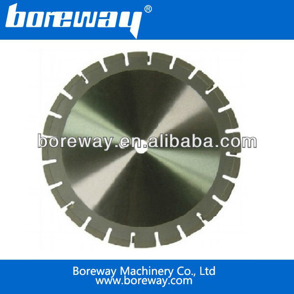 Diamond circular saw blade for asphalt with TCT inserted segment