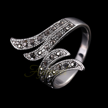 290 Ajojewel 18K White Gold Plated Retro Black Rhinestone Angel Wings Women Vintage Ring