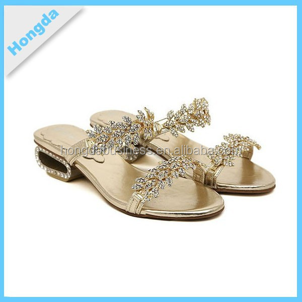 2015 PU FLAT LADIES SANDLES WITH SHINING JEWELS