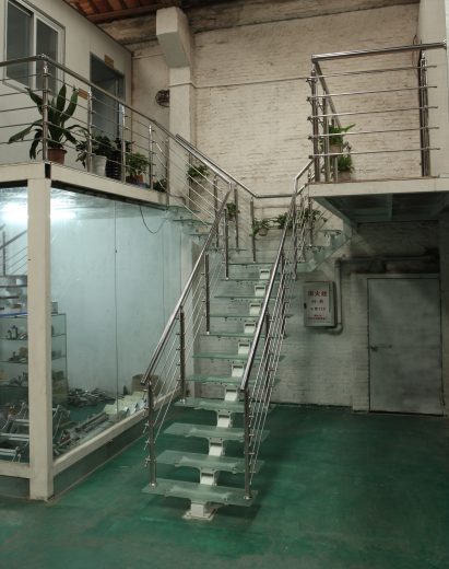 High quality YUDI Modern and fashion steel  mono stringer L shape glass stairs Design