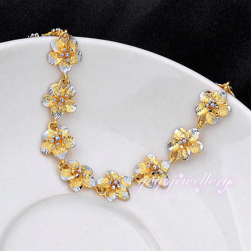 Women saudi gold jewelry bracelet wholesale price flower charms