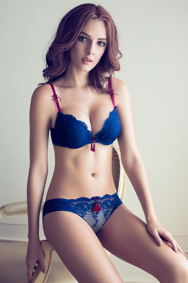 Sexy Female Pics 121