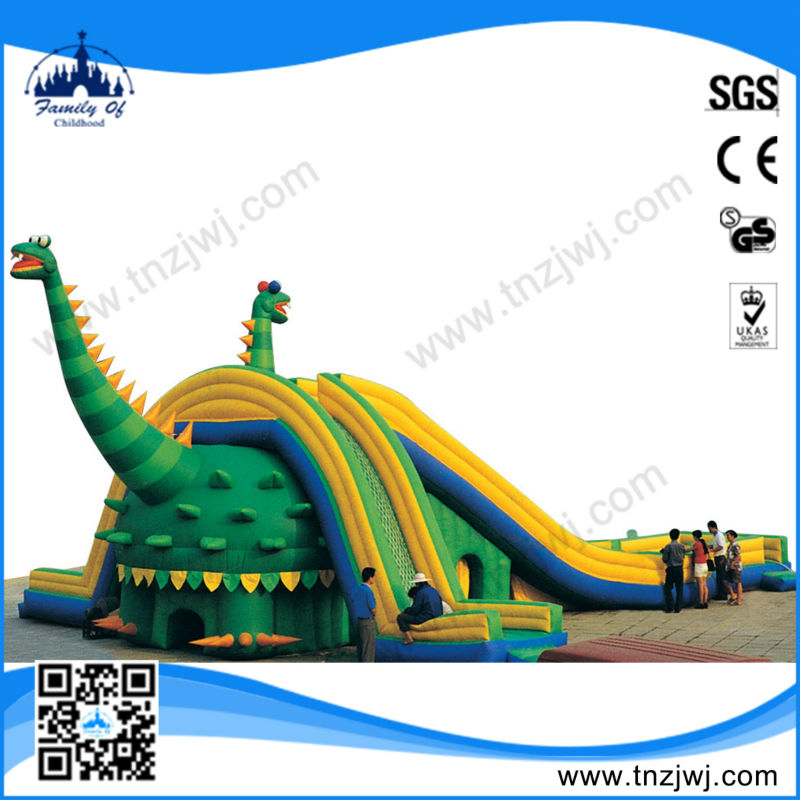 2015 hot sale amusement rides castle inflatable with slide