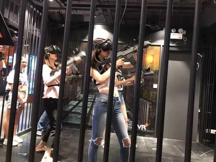 Hot Sale Virtual Reality Interactive Shooting Game Multiplayer VR