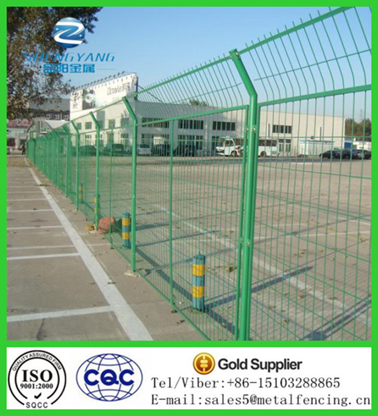 Wire Mesh Fence Panel For Insulated Net Wall - Buy Insulated Net ...