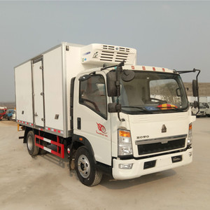3-10 ton Fish Chicken Meat Transport SINOTRUK HOWO frozen food delivery trucks