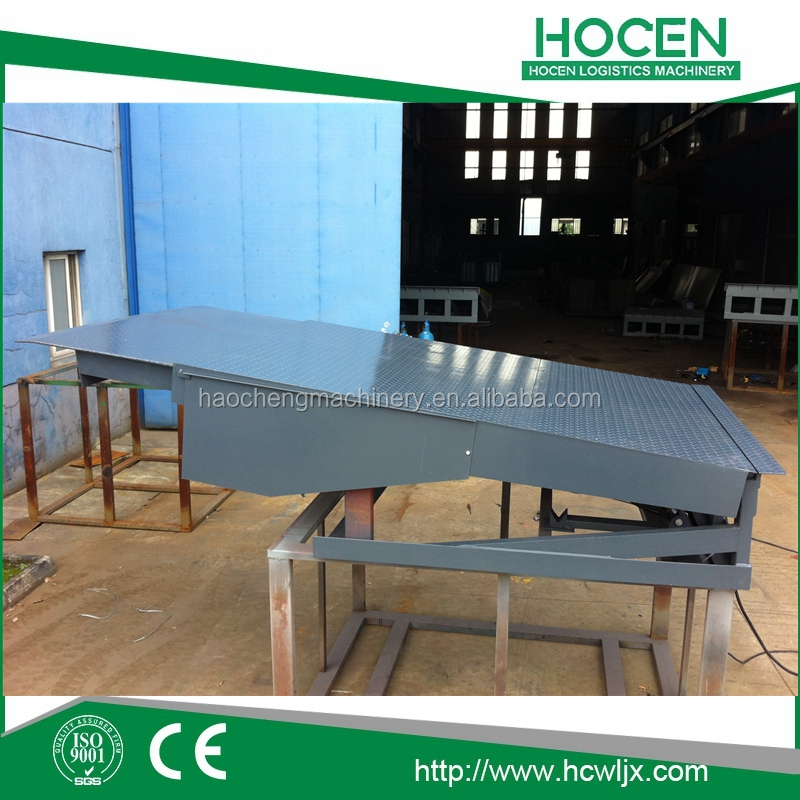 Adjustable Stationary Container Cargos Unloading Ramps 6-15Tons Warehouse Dock Leveller For Truck Loading