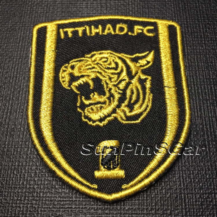 custom clothes iron on patch embroidered badge manufacturer
