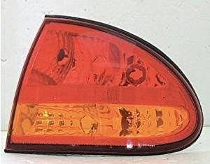 99 00 01 02 03 04 Oldsmobile Alero Passenger Taillight Taillamp Quarter Mounted