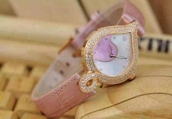 Pink Sweet Cute Heart Shaped Crystal Diamond Exquisite heart Ladies Girls Bracelet Watches Heart-shaped pink Dial Women's Watch