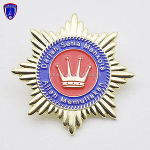 Wholesale custom metal soft enamel state crown shape lapel pins