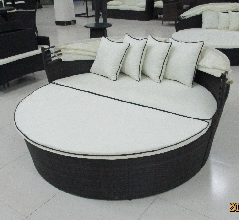 Half round bed for outdoor