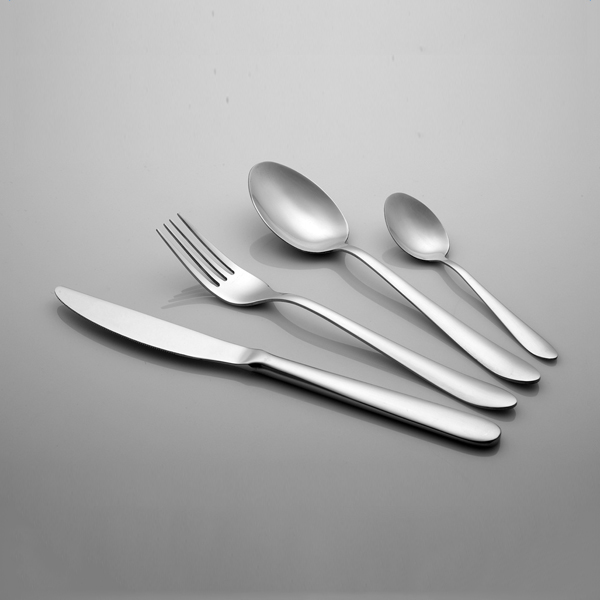Multi-purpose easy to clean dinner table sets metal fork flatware