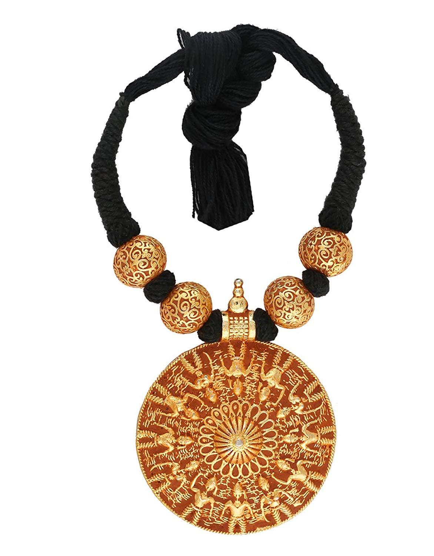 c8e5e847b Get Quotations · Anuradha Art Black Colour Simple & Stylish Handmade Geru  Polish Thread Neckalce For Women/Girls