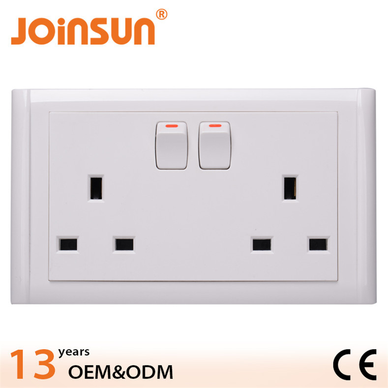 Double Uk Socket With Switch 3 Pin Square To Round Adaptor Plug ...
