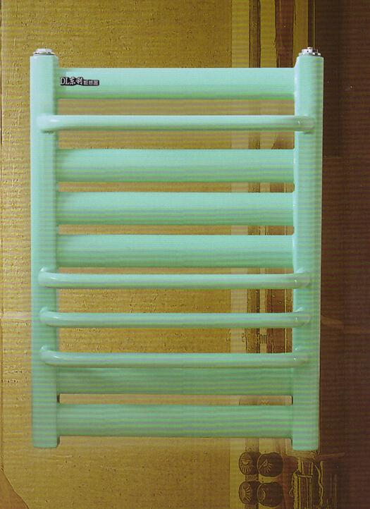 salle de bain chauff serviette radiateurs d 39 eau chaude chauffe serviettes radiateurs salle. Black Bedroom Furniture Sets. Home Design Ideas