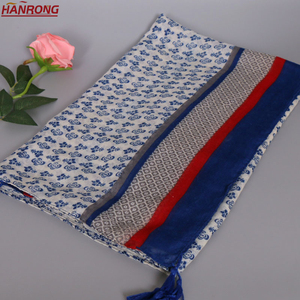 2018 New Flowers Printed Fringe Thin Section Red Blue Stitching Plain Voile Scarf Wholesale