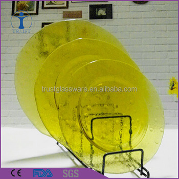 wholesale factory wedding decoration high quality colored dinner yellow glass charger plates