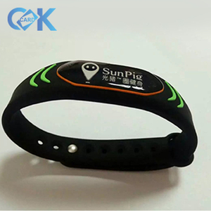 Hot selling silicone wristband new design silicone wristband with logo for advertisement.