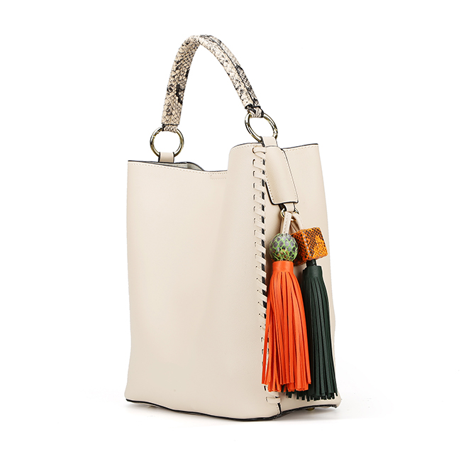 7432 PAPARAZZI new design women hobo bag with tassel decoration