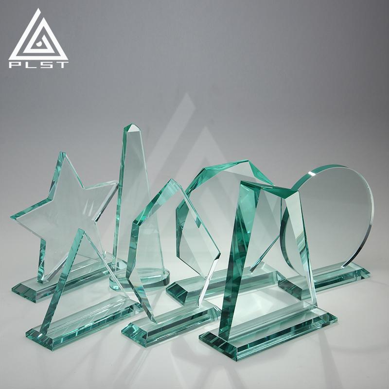 Venda por atacado vidro trophise awards peças barato troféu de cristal em branco prêmio personalizado escudo placa de prêmios para lembranças