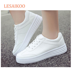 Wholesale Stock PU Leather platform white women shoes and sneakers
