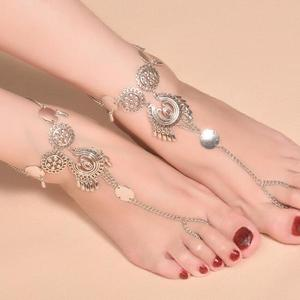 Belly dancing metal anklet with medallion