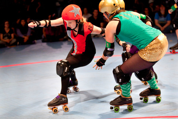 2019 hot sale skate in line skating rink floor for skating and roller derby