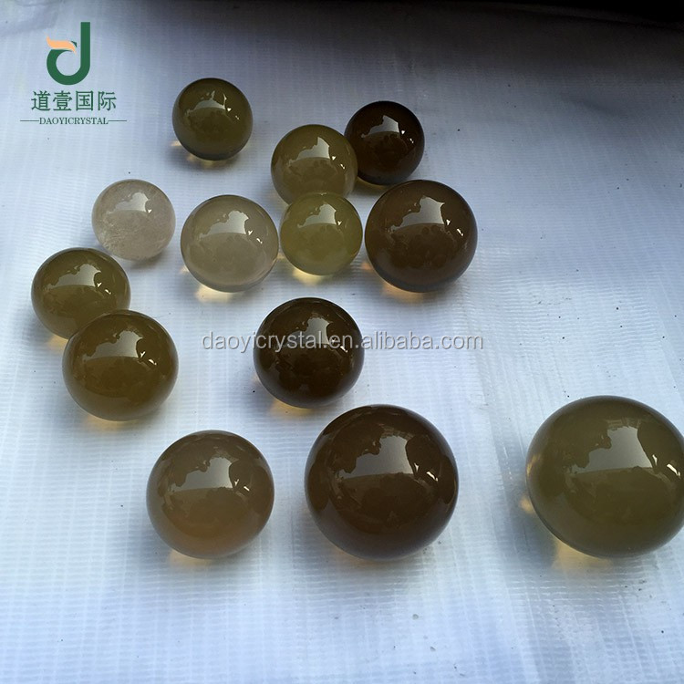 Wholesale pretty natural smoky balls home decoration crystal balls spheres