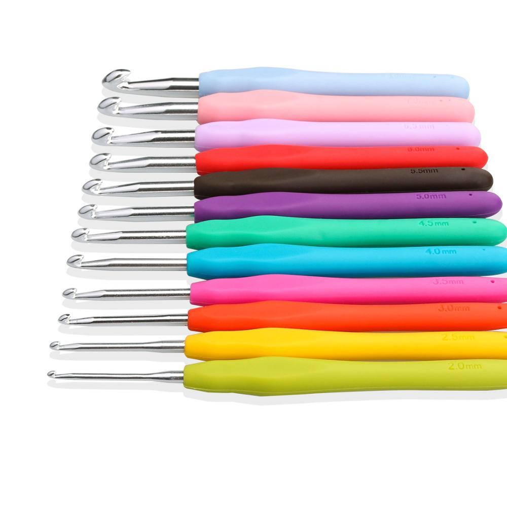 12 pcs Aluminum Needles Crochet Hooks Knitting Needles Set Ergonomic Soft Handles With Case
