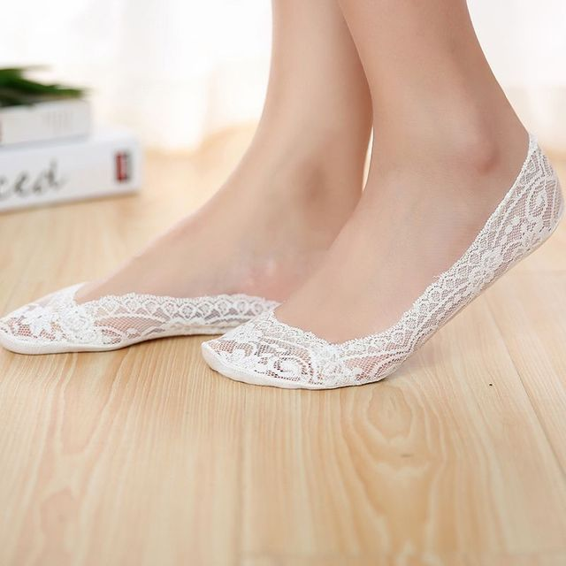 Wholesale shallow mouth women's socks color lace anti-slip boat socks