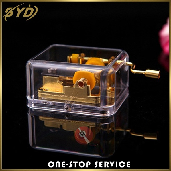 Cheap price christmas gift plastic handcrank music box