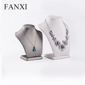 FANXI Wholesale All Matched Mannequin Shape Jewelry Display Stand For Counter Pendant Custom Logo Leather Necklace Bust